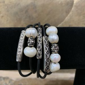 Trendy pearl and silver btacelet